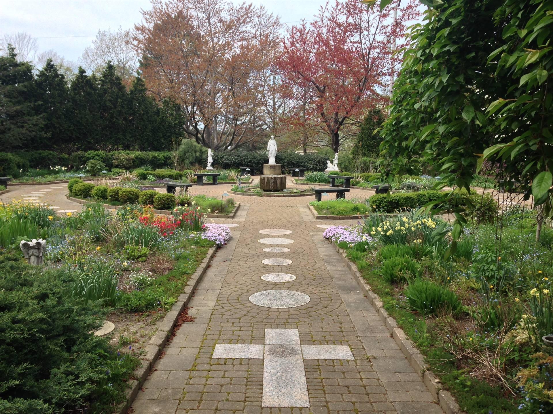 Garden of Life Rosary Walkway